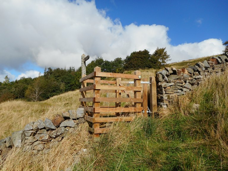 7-new-kissing-gate-old-lichen-at-nentsberry